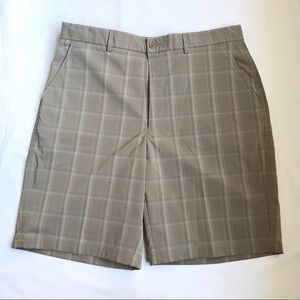Men's Kirkland khaki plaid shorts